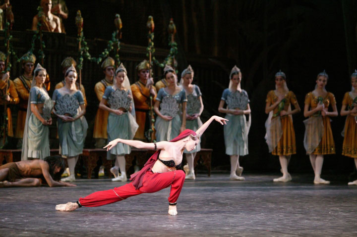 1-src_MU_La_Bayadere_Svetlana_Zakharova_as_Nikia_1_Photo_by_Damir_Yusupov_1_0