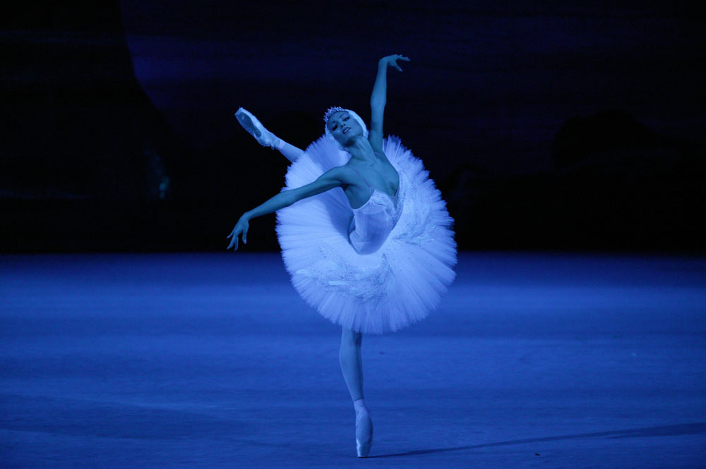 1-src_Swan_Lake_Ekaterina_Shipulina._Photo_by_Damir_Yusupov_61