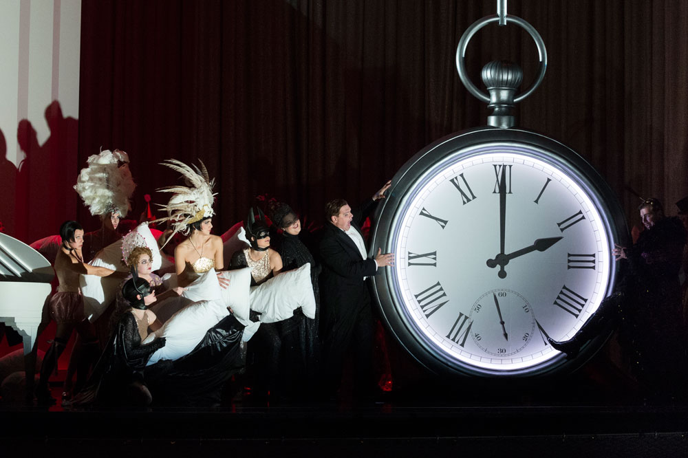1-Die-Fledermaus-(c)-Canadian-Opera-Company-2012-Chris-Hutcheson
