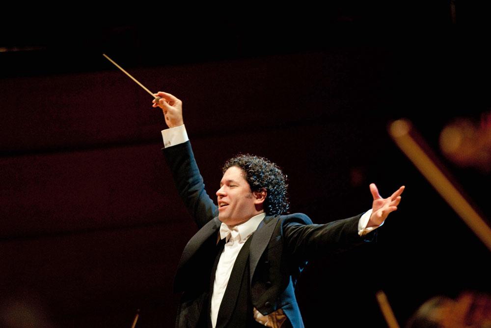 1-Dudamel,-Gustavo-4_cr-Vern-Evans