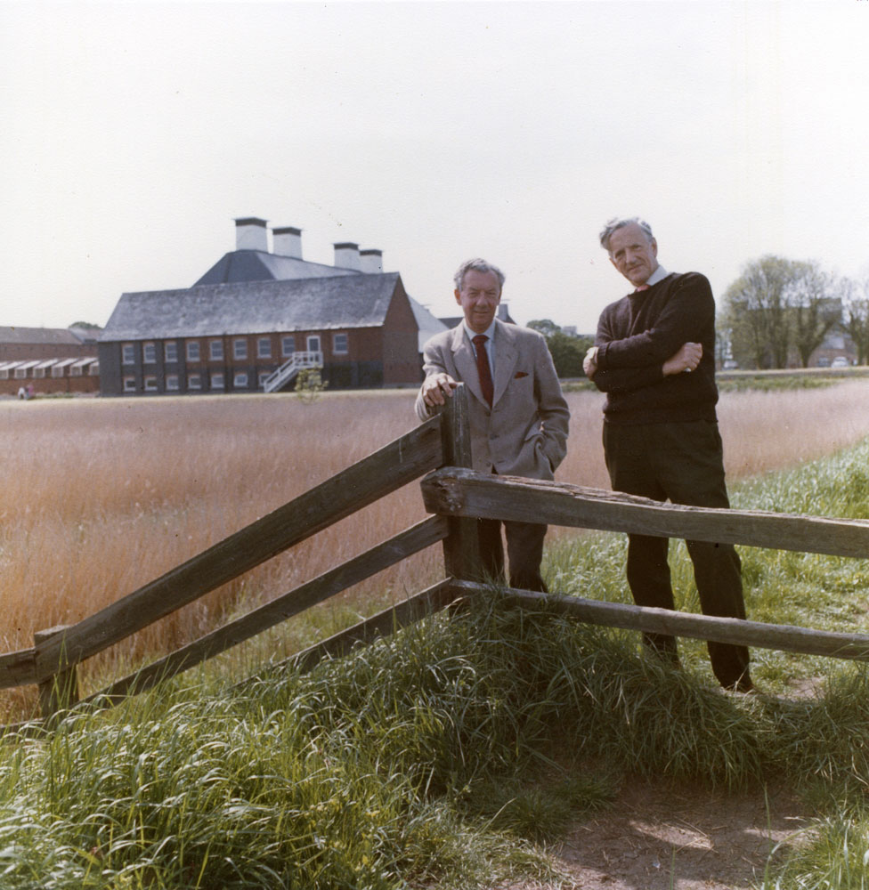 1-1969---With-Pears-at-Snape-Maltings---photo-by-Hans-Wild