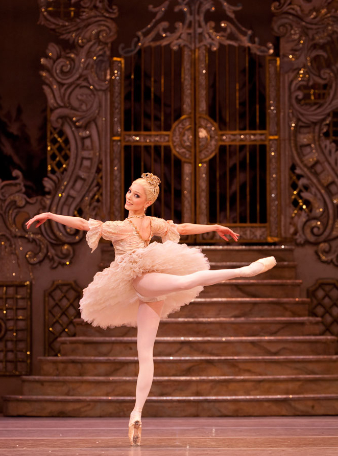 1-RB---Sarah-Lamb-as-the-Sugar-Plum-Fairy-in-The-Nutcracker.-Photo-by-Johan-Persson,-ROH