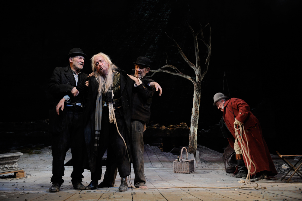 1-Ian-McKellen-(Estragon),-Ronald-Pickup-(Lucky)-Patrick-Stewart-(Vladimir)-and-Simon-Callow-(Pozzo)-photo-by-Sasha-Gusov