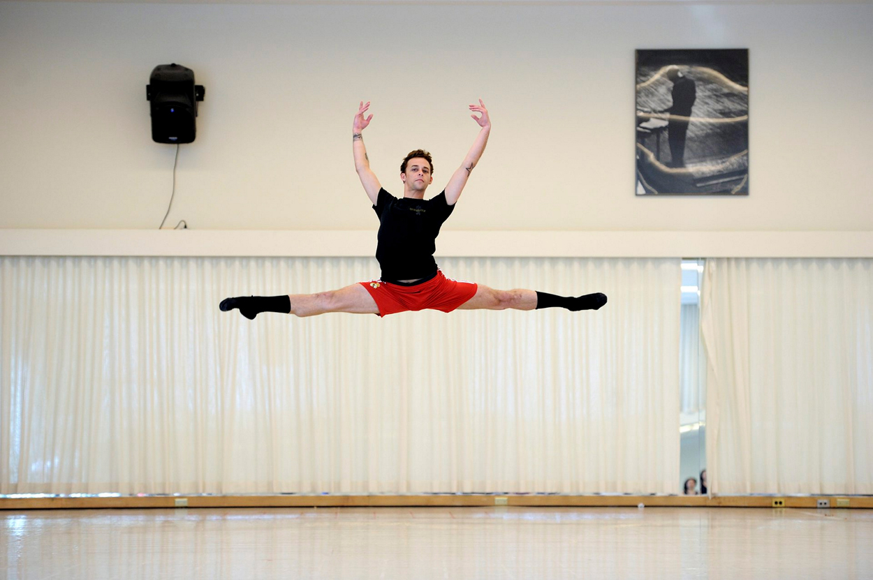 1-SF-Ballet-Principal-Dancer-Taras-Domitro