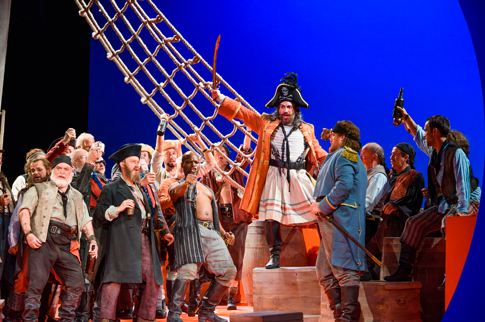 1-ENO-The-Pirates-Of-Penzance-Joshua-bloom,-ENO-Chorus-and-Alexander-Robin-Baker-(c)-TRistram-Kenton