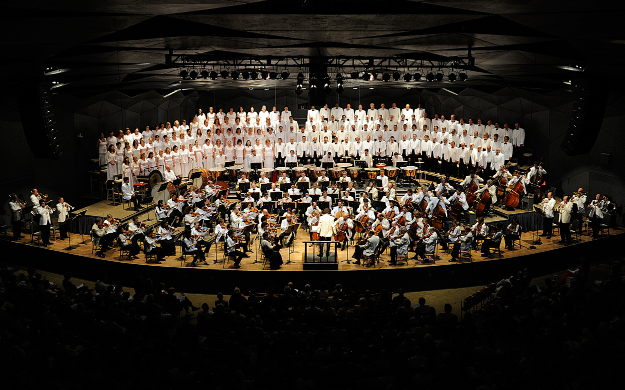 1-Boston-Symphony-Orchestra-and-Tanglewood-Festival-Chorus-performing-Berlioz's-Requim-at-Tanglewood-conducted-by-Charles-Dutoit-on-7.9.11-(Stu-Rosner)